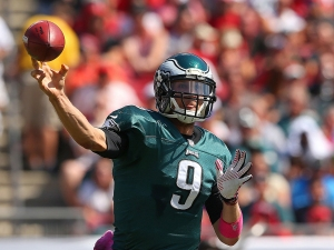 TAMPA, FL - OCTOBER 13: Nick Foles #9 of the Philadelphia Eagles passes during a game against the Tampa Bay Buccaneers at Raymond James Stadium on October 13, 2013 in Tampa, Florida. (Photo by Mike Ehrmann/Getty Images)